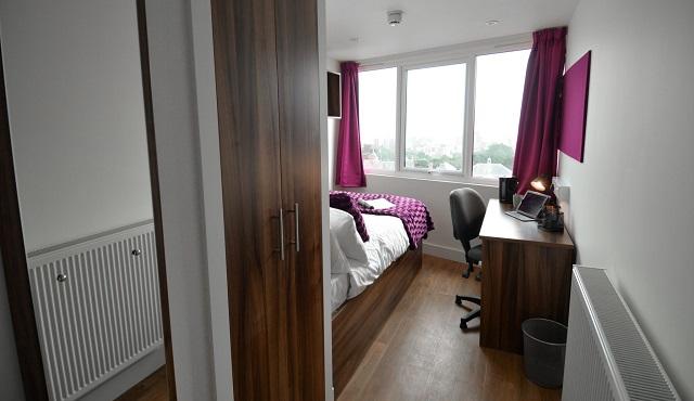 Summer-Residence-Bedroom